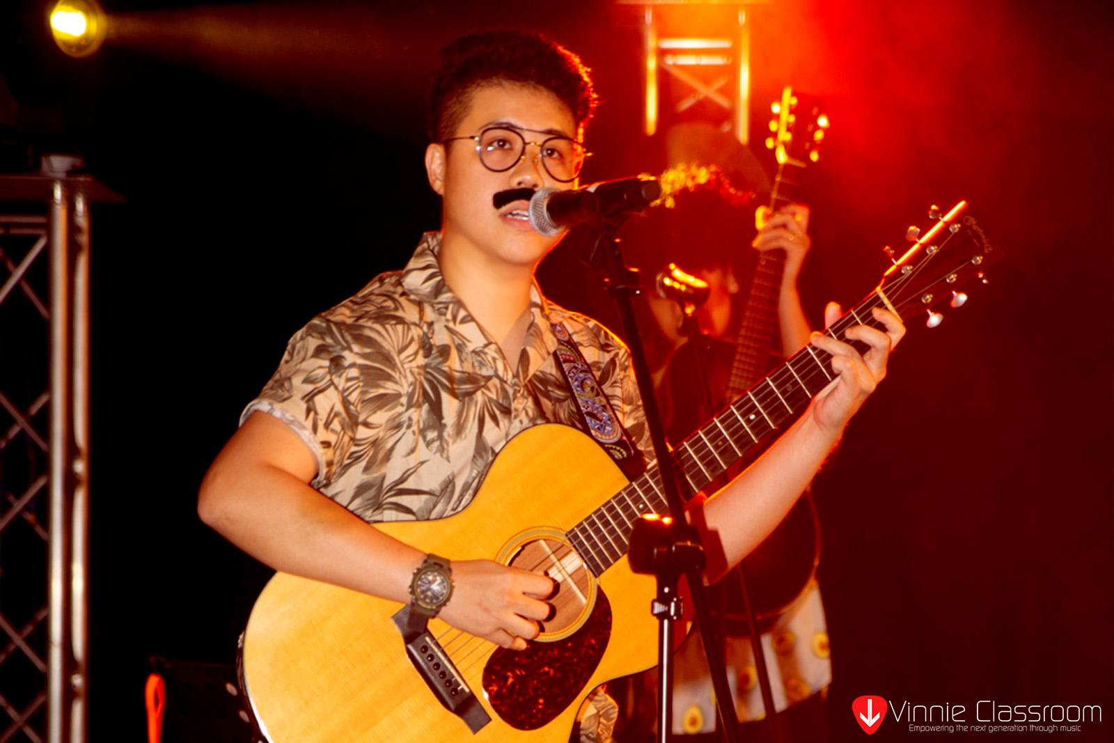 strum and sing guitar lesson singapore